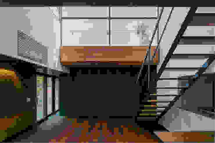 İskandinav Oturma Odası group-scoop architectural design studio İskandinav Masif Ahşap Rengarenk