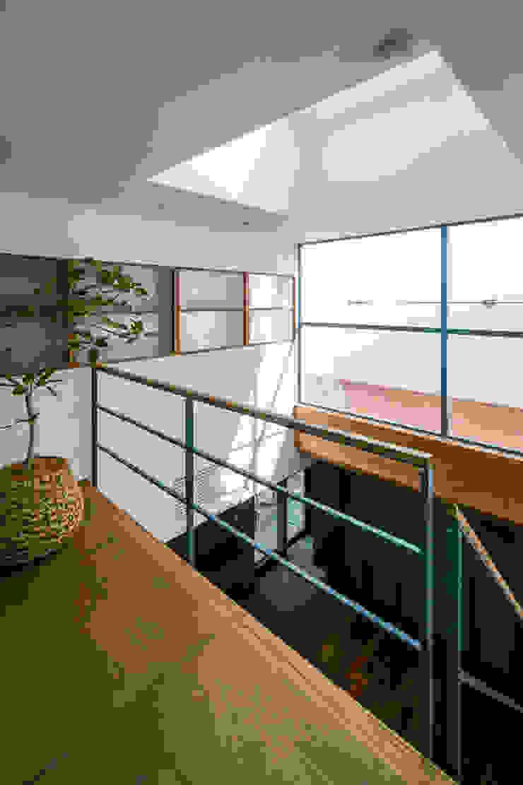 İskandinav Yatak Odası group-scoop architectural design studio İskandinav Masif Ahşap Rengarenk