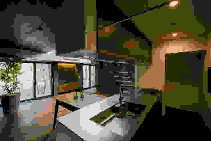 Scandinavian style kitchen by group-scoop architectural design studio Scandinavian Solid Wood Multicolored