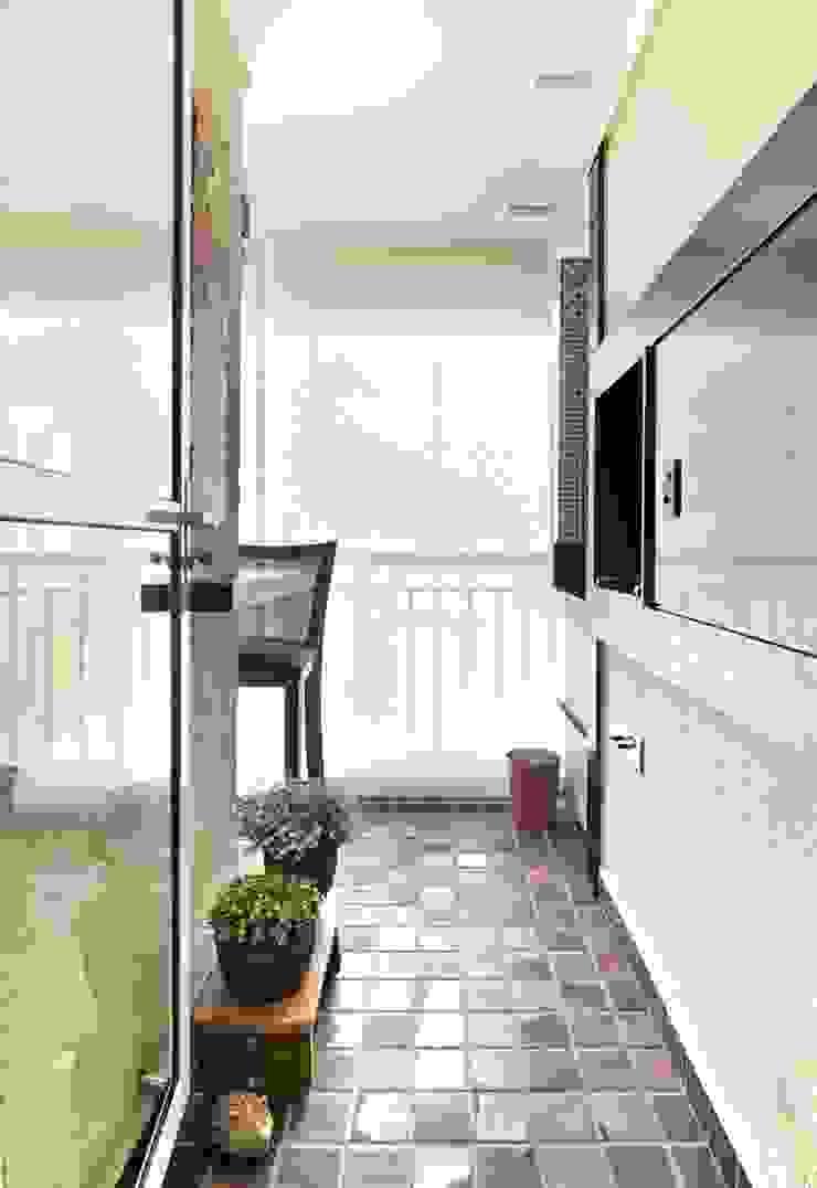Apto em Santo André Espaço Alessandra Luz Casa & Jardim Varandas, alpendres e terraços ecléticos