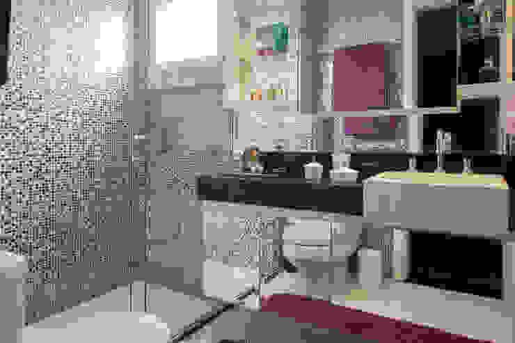 Baños de estilo ecléctico de Espaço Alessandra Luz Casa & Jardim Ecléctico