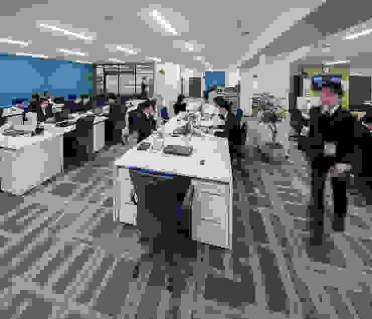 株式会社Juju INTERIOR DESIGNS Edificios de oficinas Compuestos de madera y plástico Multicolor