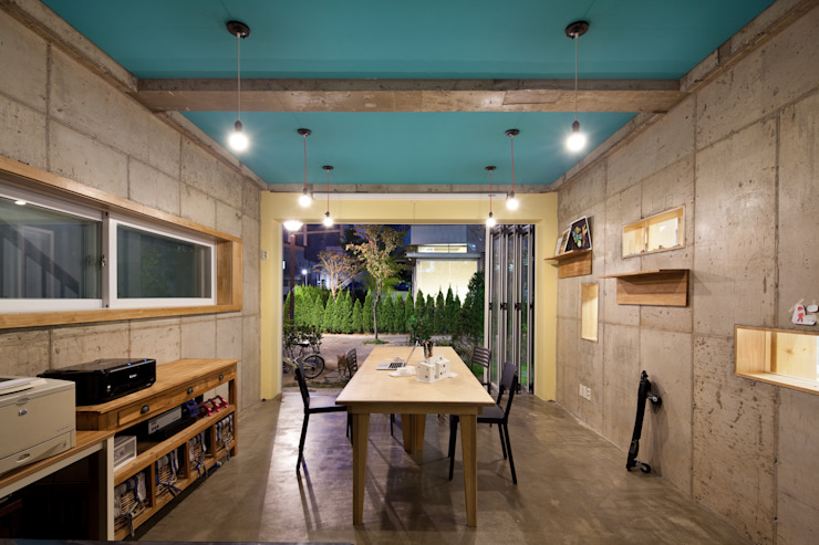 Ruang Media Modern Oleh 남기봉건축사사무소 Modern