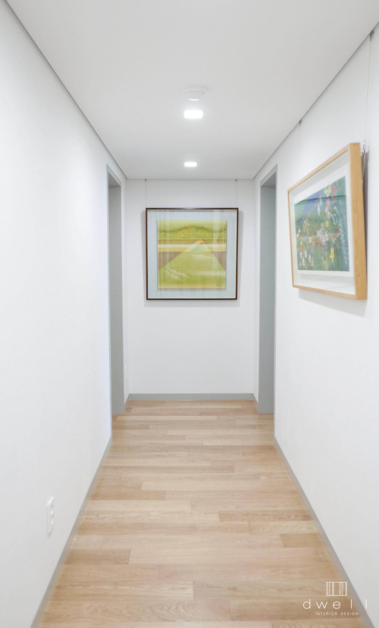 이촌동 'J' 아파트 스칸디나비아 복도, 현관 & 계단 by 드웰디자인 북유럽