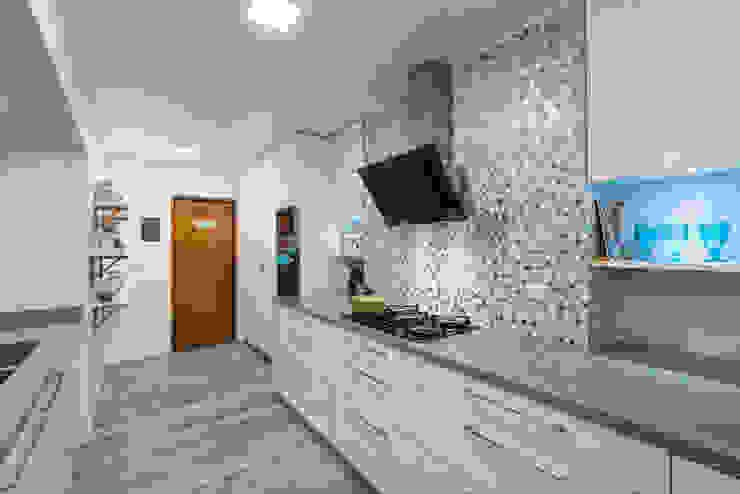 REMODELACIÓN CASA LOS CASTORES Cocinas de estilo moderno de Grupo E Arquitectura y construcción Moderno