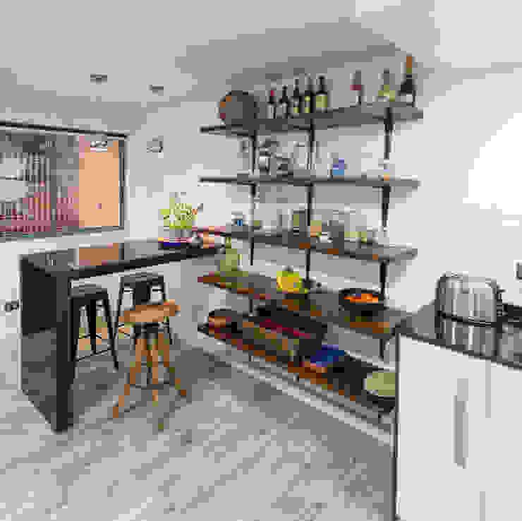 Kitchen by Grupo E Arquitectura y construcción, Modern