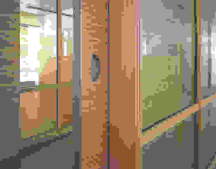 根據 HO³ Häusler Ortmann Innenarchitekten 現代風 木頭 Wood effect