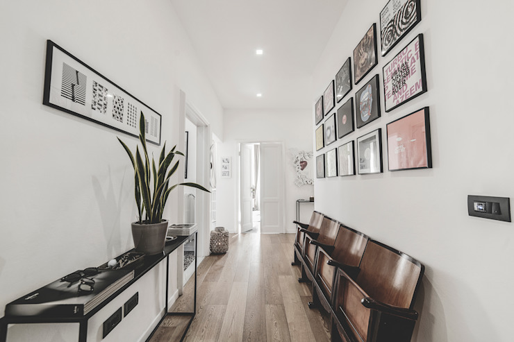 现代客厅設計點子、靈感 & 圖片 根據 MODO Architettura 現代風