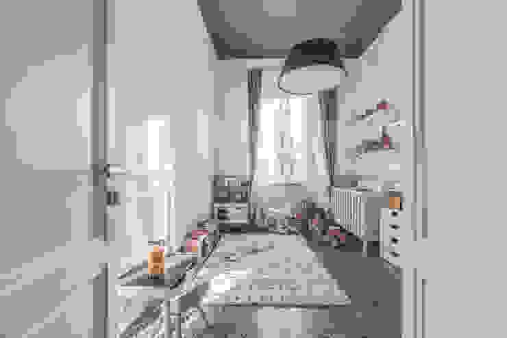 Dormitorios de estilo moderno de MODO Architettura Moderno