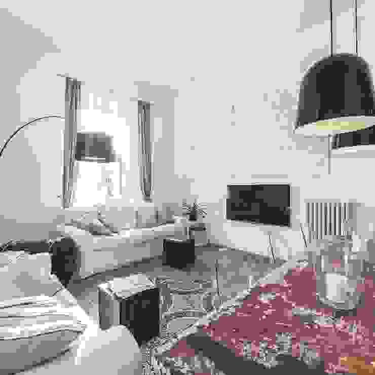 Modern living room by MODO Architettura Modern