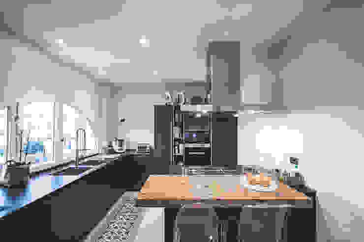 Cocinas de estilo  por MODO Architettura, Minimalista