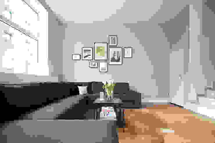 Neugestaltung unserer Räume I WOHNGLUECK GmbH WOHNGLUECK GmbH (Immobilien) Skandinavische Geschäftsräume & Stores