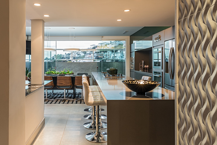 Cobertura Sion: Cozinhas  por Andréa Buratto Arquitetura & Decoração