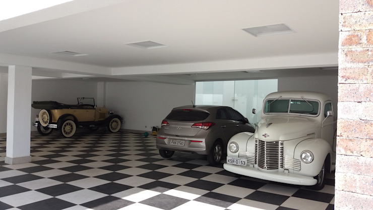 Monica Guerra Arquitetura e Interiores Modern garage/shed