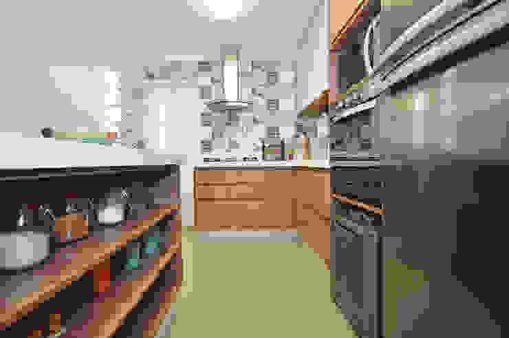 Cocinas de estilo ecléctico de Condecorar Arquitetura e Interiores Ecléctico