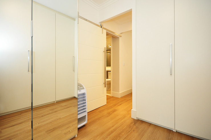 Eclectic style dressing rooms by Condecorar Arquitetura e Interiores Eclectic