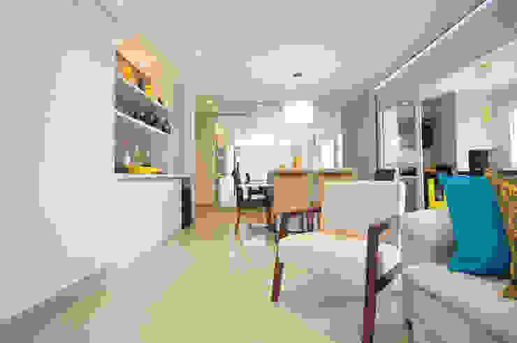 Apartamento São Caetano - 113M² Condecorar Arquitetura e Interiores Salas de estar clássicas