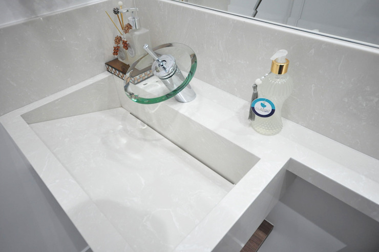 Baños de estilo  por Condecorar Arquitetura e Interiores,
