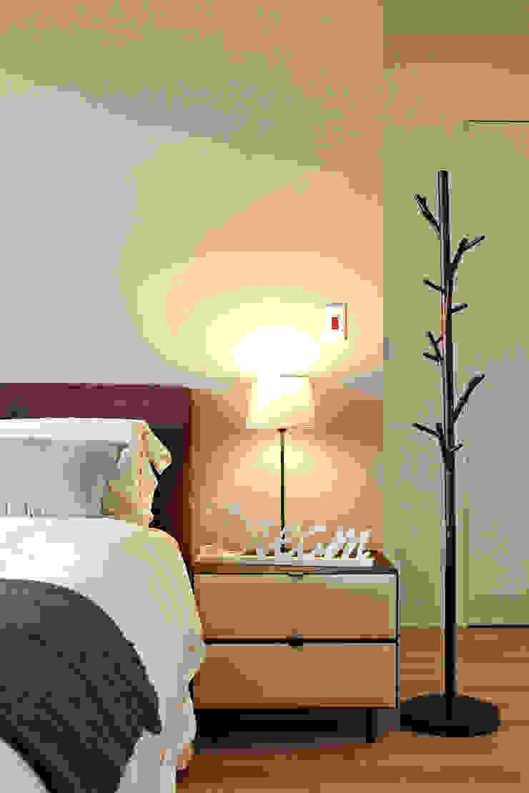 點燈 Scandinavian style bedroom by 耀昀創意設計有限公司/Alfonso Ideas Scandinavian