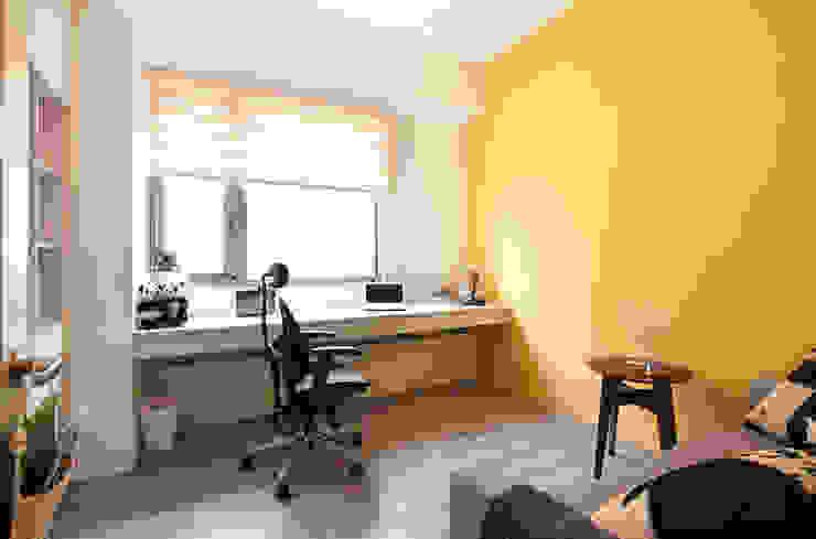 跳脫 Scandinavian style study/office by 耀昀創意設計有限公司/Alfonso Ideas Scandinavian
