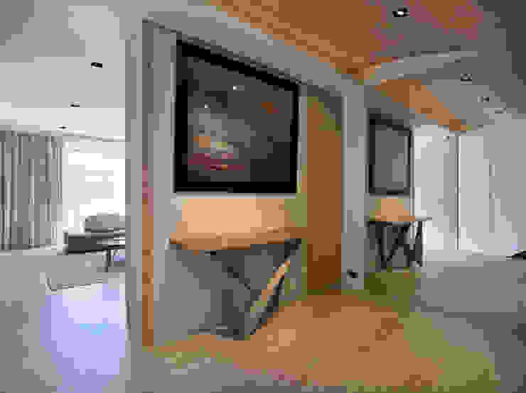 澄‧ 朗 陽光新境-金山南路李宅 舍子美學設計有限公司 現代風玄關、走廊與階梯