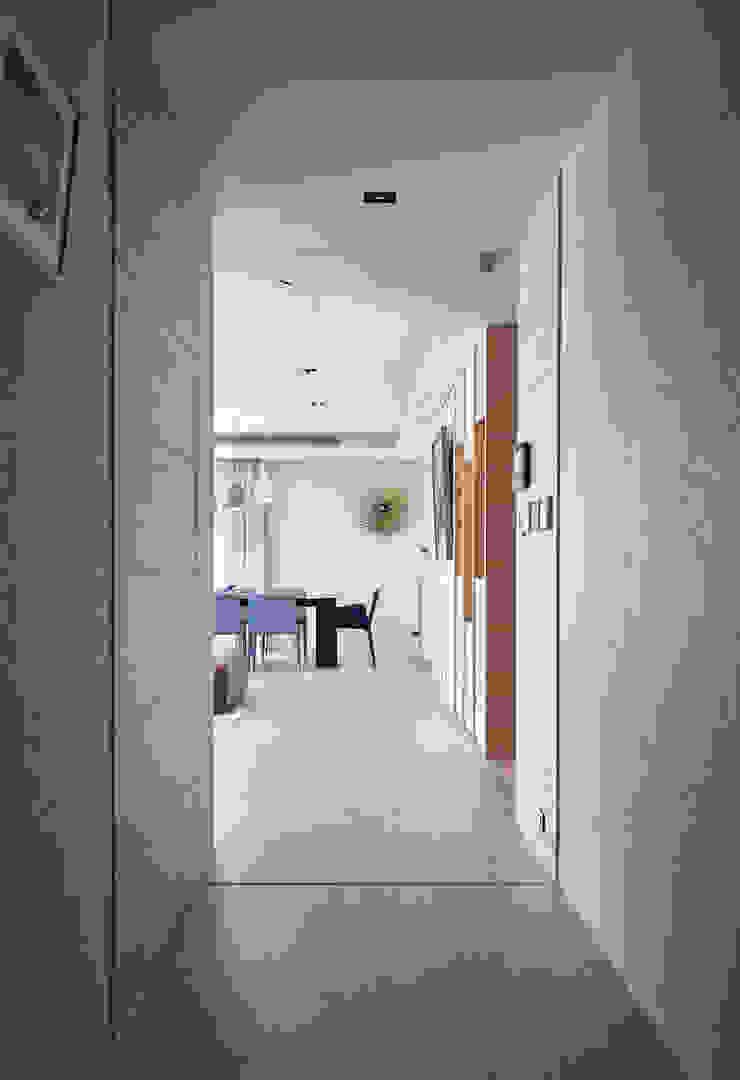 澄‧ 朗 陽光新境-金山南路李宅 現代風玄關、走廊與階梯 根據 舍子美學設計有限公司 現代風