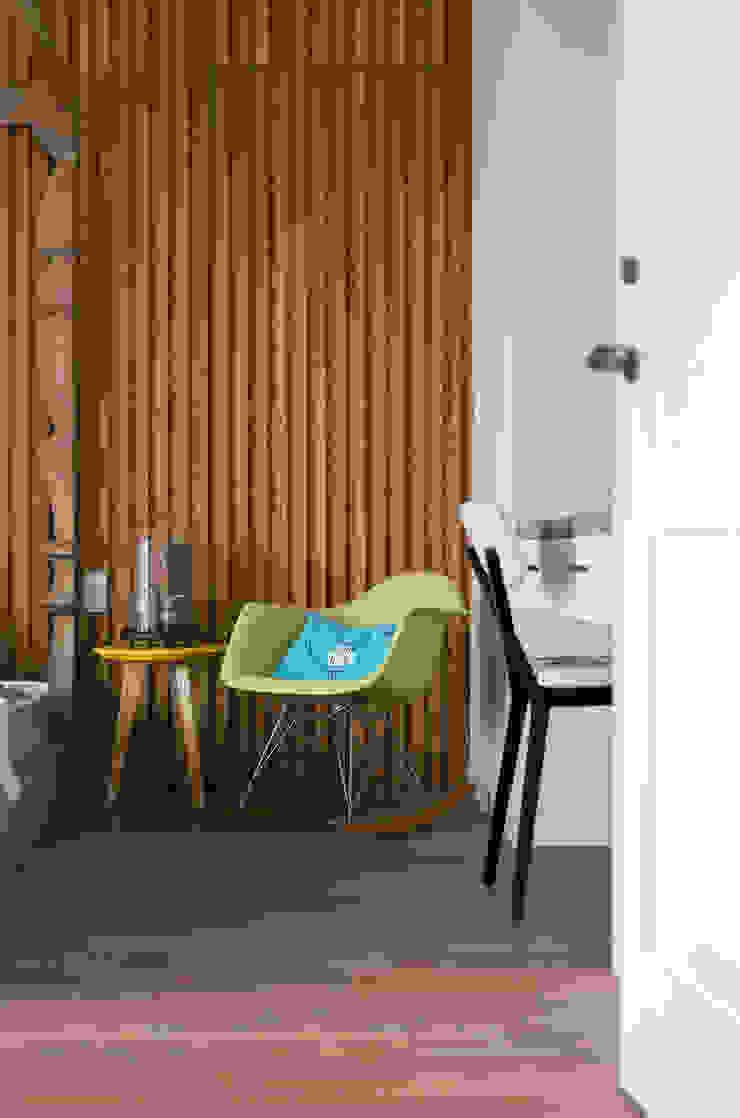 Scandinavian style bedroom by 耀昀創意設計有限公司/Alfonso Ideas Scandinavian