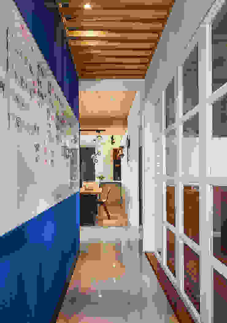 慢活_小時光-三峽林宅 鄉村風格的走廊,走廊和樓梯 根據 舍子美學設計有限公司 田園風