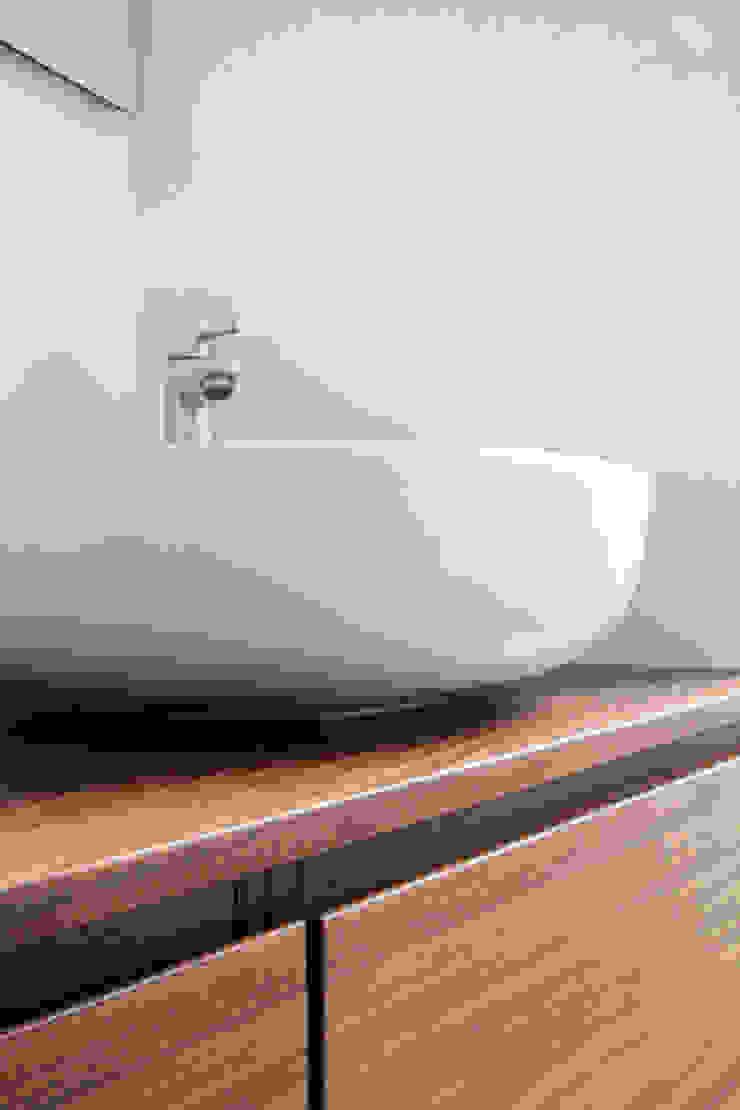 T+T ARCHITETTURA Modern Bathroom