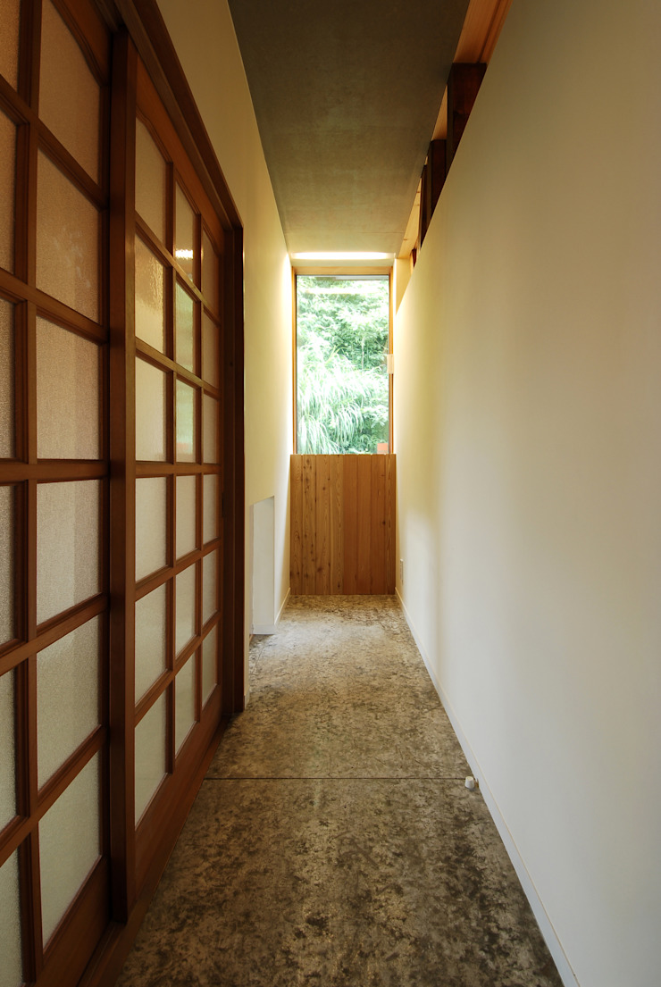 Modern Windows and Doors by 藤井伸介建築設計室 Modern