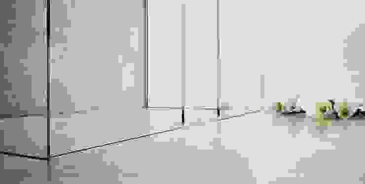 SILVERPLAT Minimalist style bathrooms Transparent