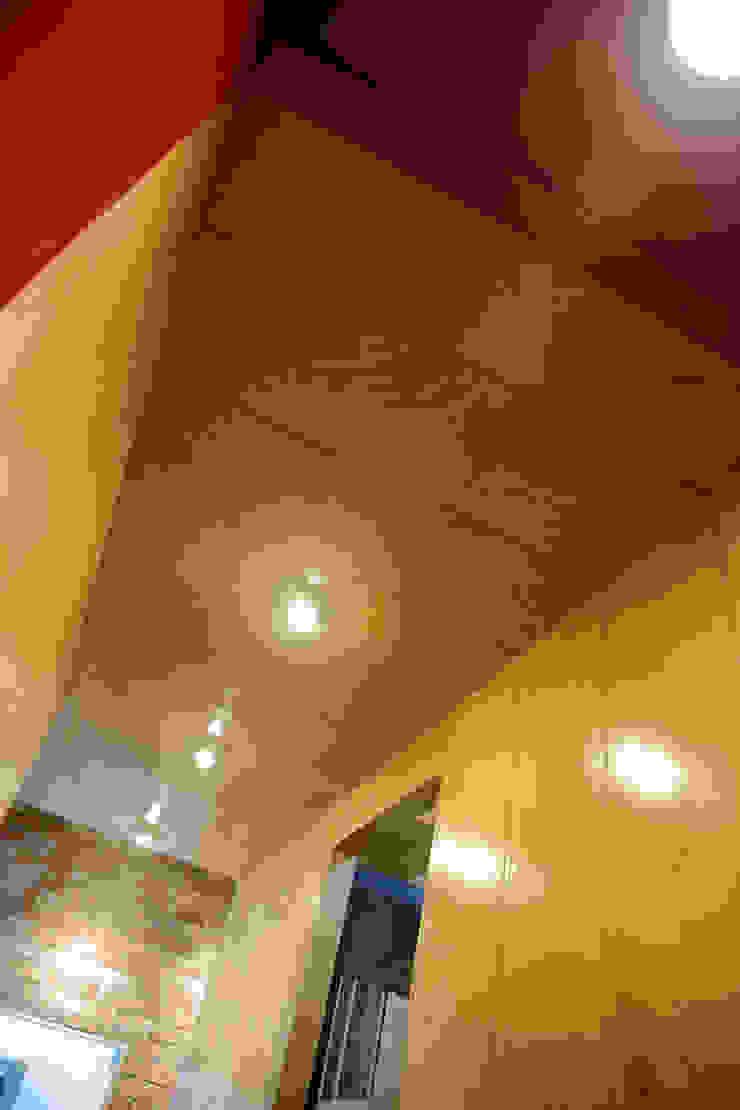 찜스토리 인테리어 부분 모던스타일 복도, 현관 & 계단 by inark [인아크 건축 설계 디자인] 모던 합판