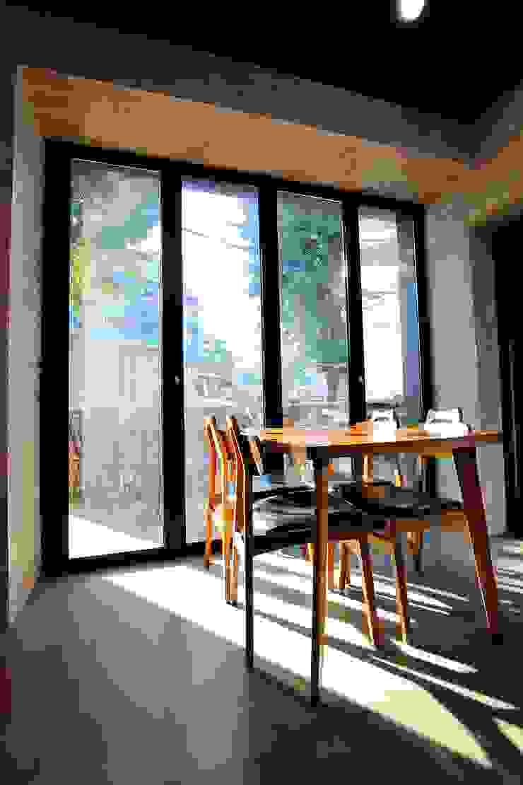 찜스토리 인테리어 부분 모던스타일 다이닝 룸 by inark [인아크 건축 설계 디자인] 모던 철 / 철강