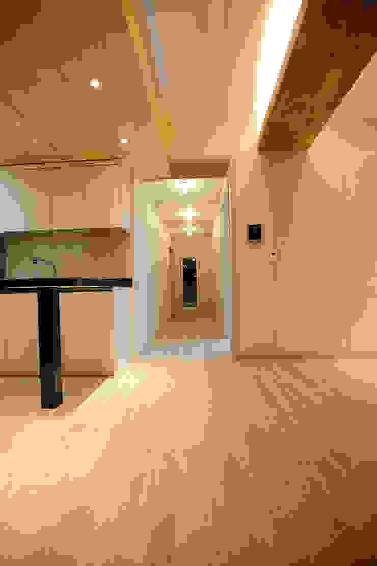 주택 인테리어 부분 모던스타일 복도, 현관 & 계단 by inark [인아크 건축 설계 디자인] 모던 MDF