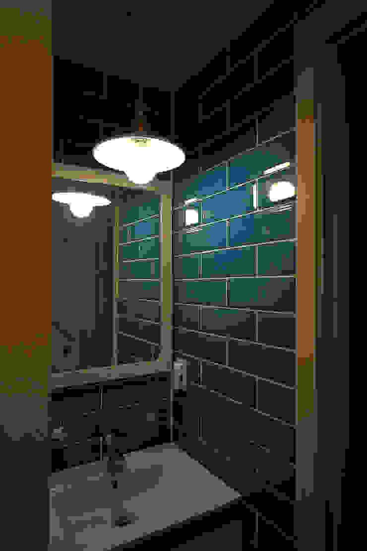 주택 인테리어 부분 모던스타일 욕실 by inark [인아크 건축 설계 디자인] 모던 타일