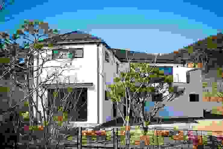 전주 단독주택 모던스타일 주택 by 인우건축사사무소 모던 철근 콘크리트