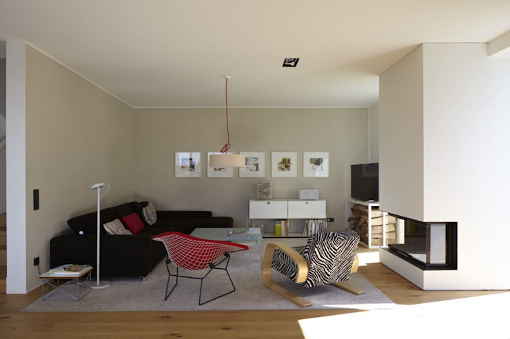 Living room by Falke Architekten, Modern