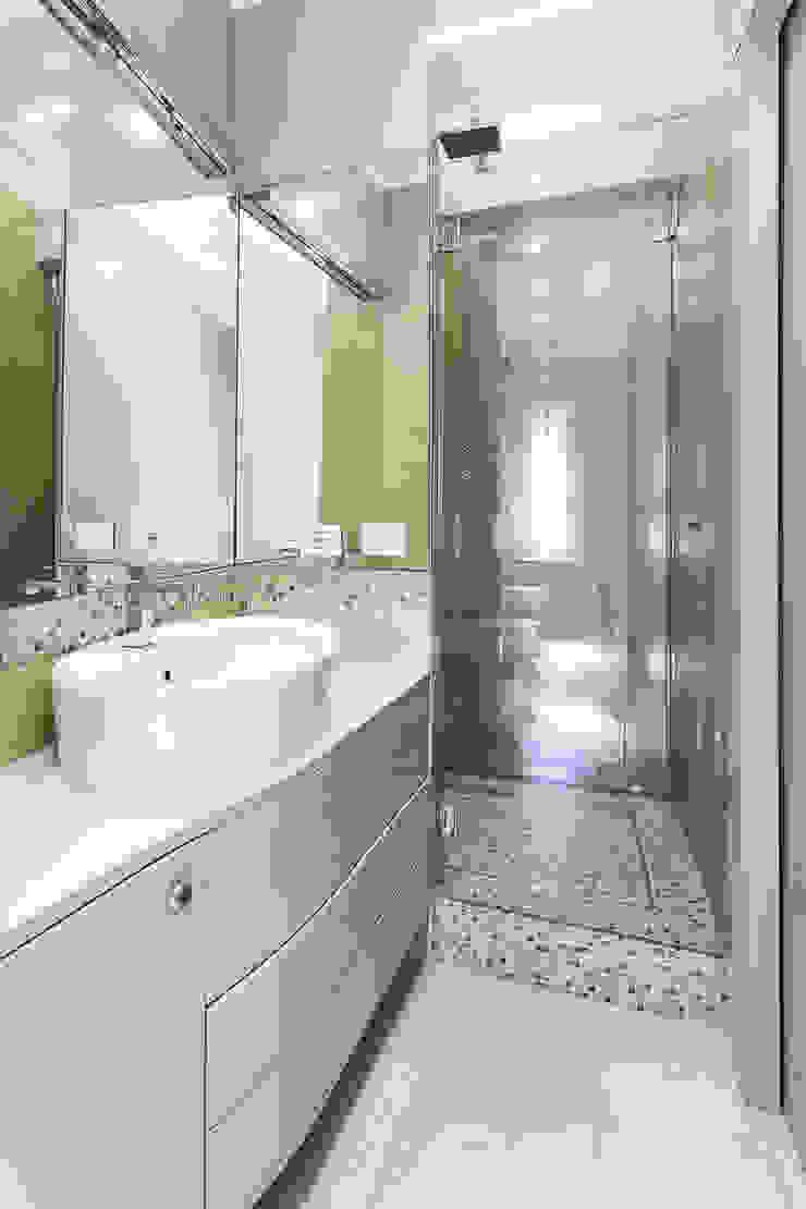 Colonial style bathroom by SERENA ROMANO' ARCHITETTO Colonial