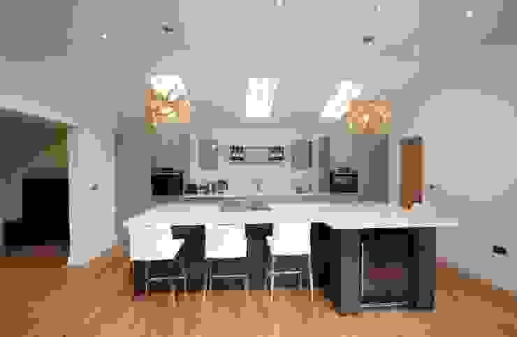 Great Bardfield, Essex Cocinas de estilo moderno de Kitchencraft Moderno Plástico