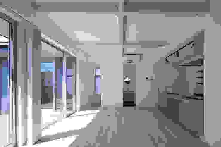 모던스타일 거실 by ㈱ライフ建築設計事務所 모던