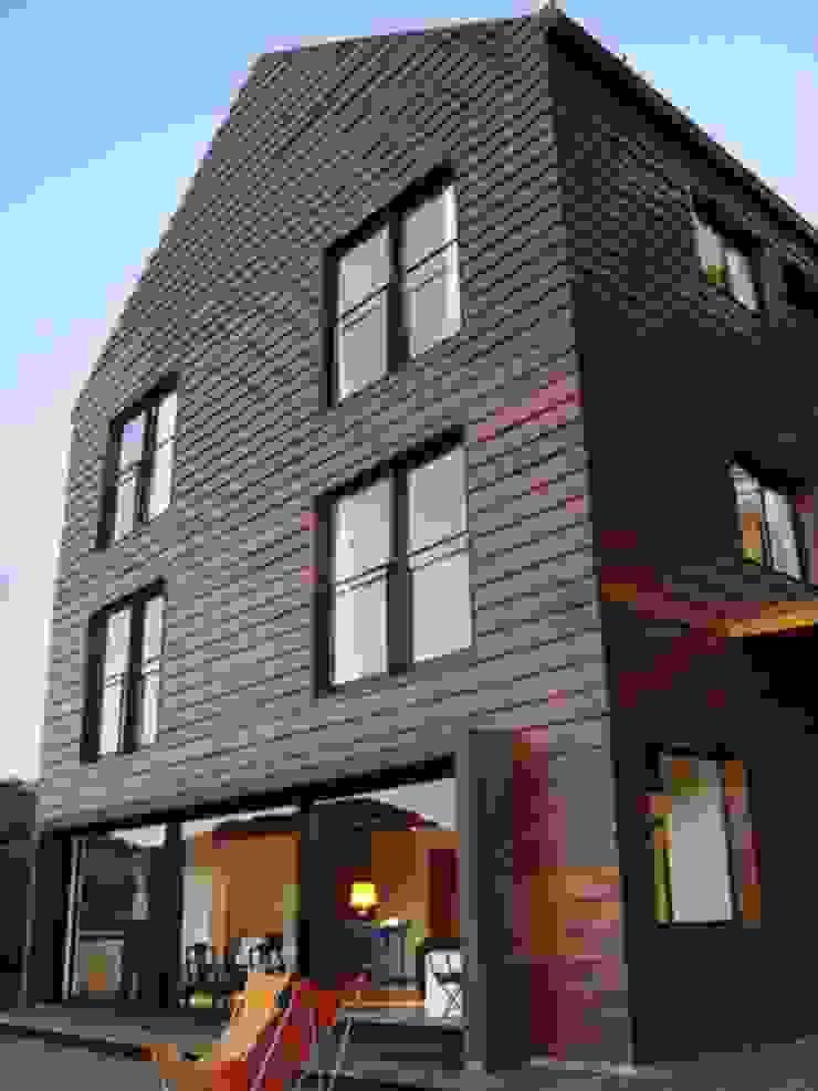 Studio + Arquitetura e Urbanismo Landhäuser Holzwerkstoff Holznachbildung