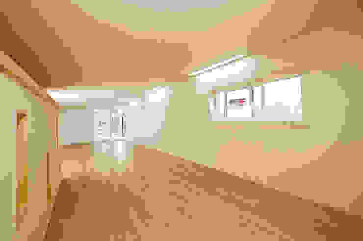 홍제동 협소주택 – H2135 모던스타일 거실 by 마음담은 건축 모던