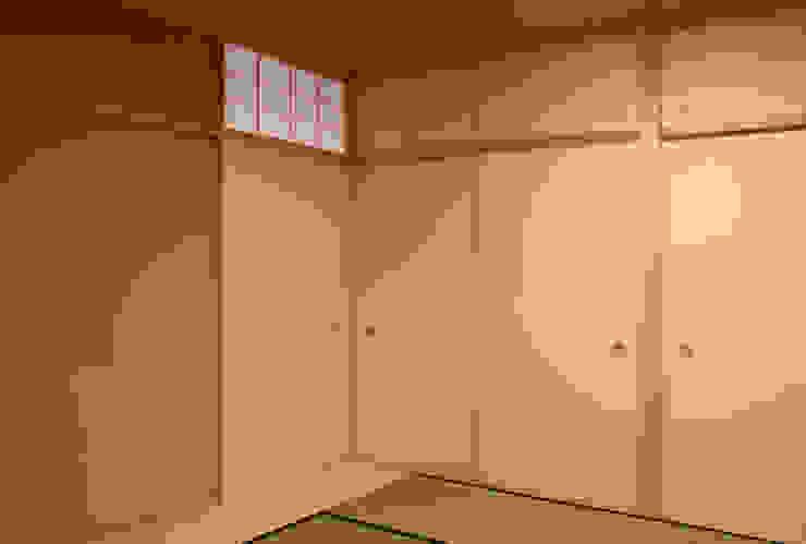 Habitaciones de estilo  por 有限会社 起廣プラン
