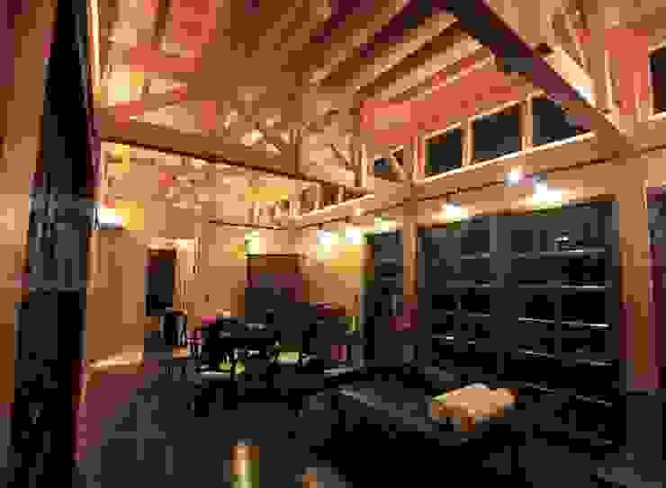閮檍設計 Ting Yi Design Classic windows & doors Solid Wood Brown