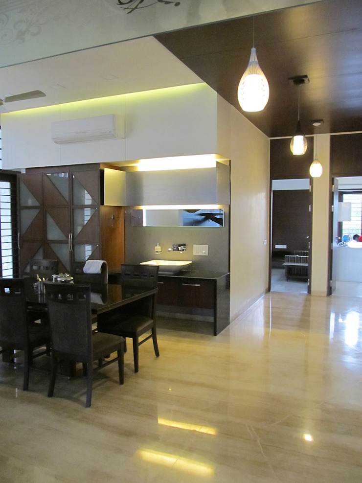 Residence of Brijesh Patel Modern dining room by Architects at Work Modern