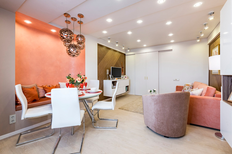 Phòng khách phong cách tối giản bởi Школа Ремонта Tối giản