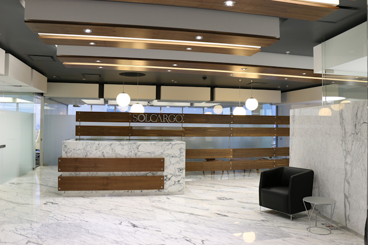 Edifícios comerciais modernos por Eskema Moderno