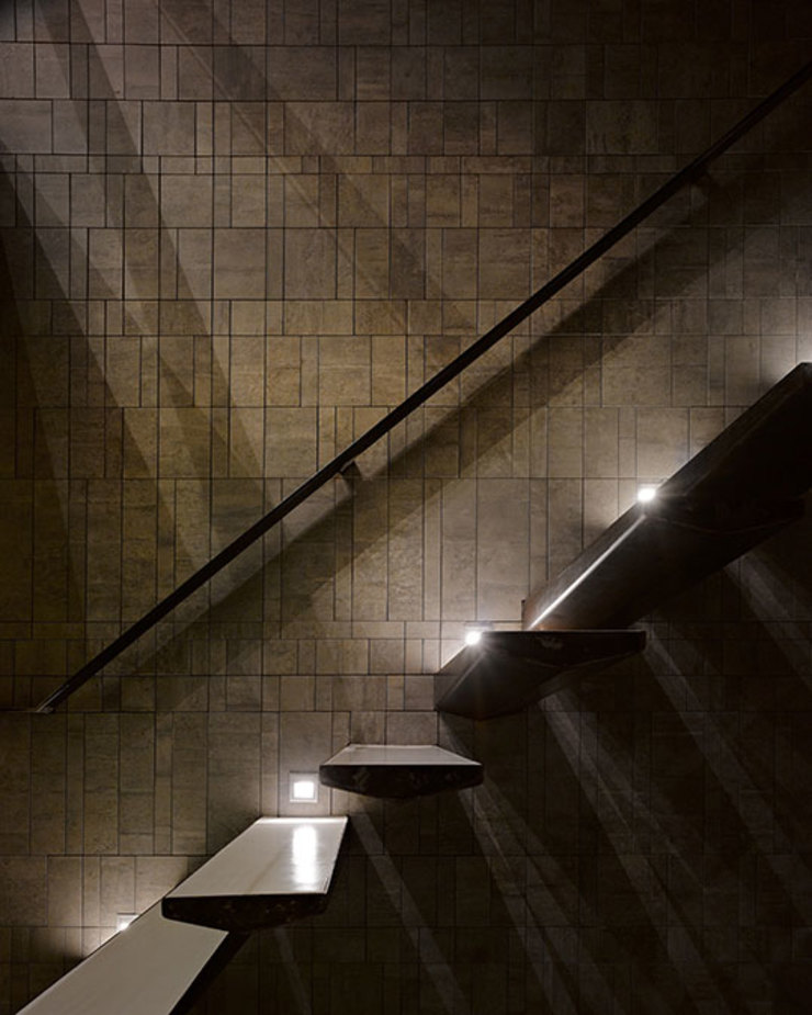 Industrial style corridor, hallway and stairs by 沈志忠聯合設計 Industrial