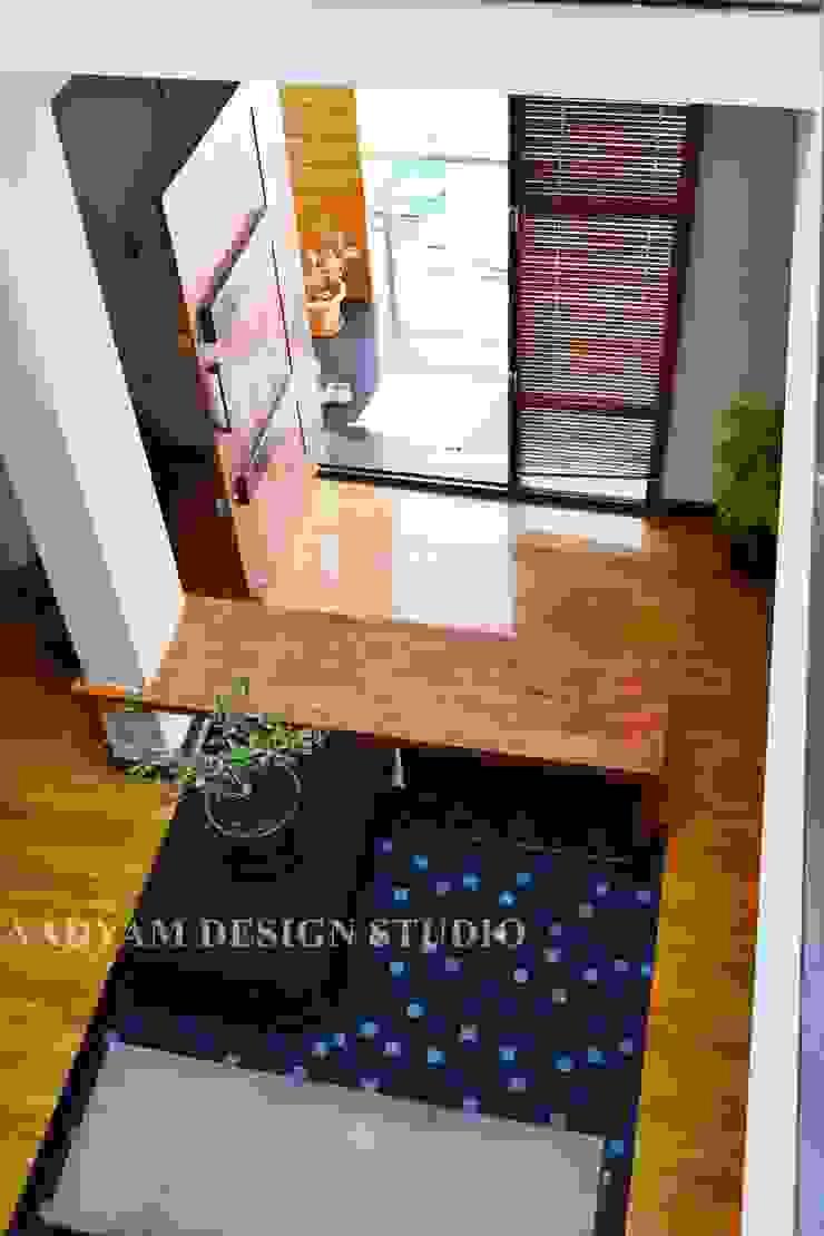 Entrance Minimalist living room by Aadyam Design Studio Minimalist