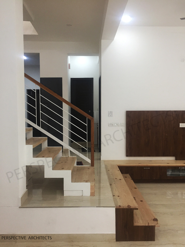 Mr. Thouseef Residence Minimalist corridor, hallway & stairs by perspective architects Minimalist